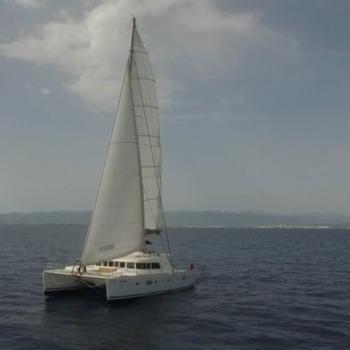 Parana unter vollen Segel Lagoon 500