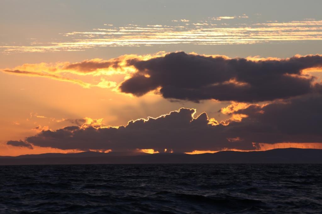 Überführung Segeln Wolkenhimmel Südspanien