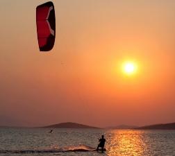 Kite-Sailing DeluxSailing