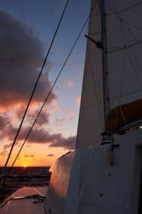 Sonnenuntergang Parana II, Katamaran-Meilentörn
