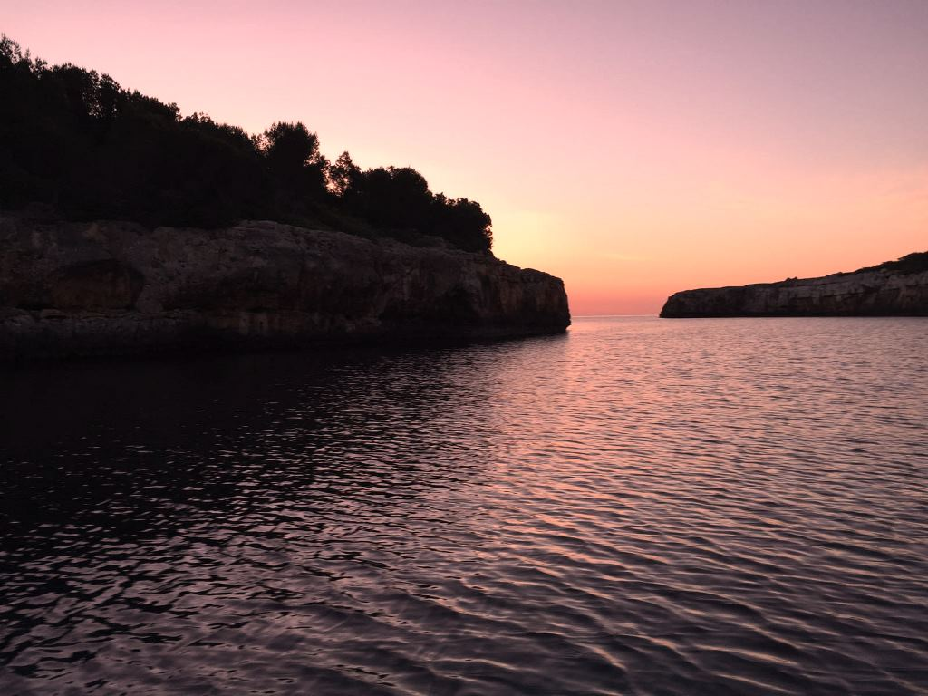 Sundowner in Cala Sa Nau Mallorca
