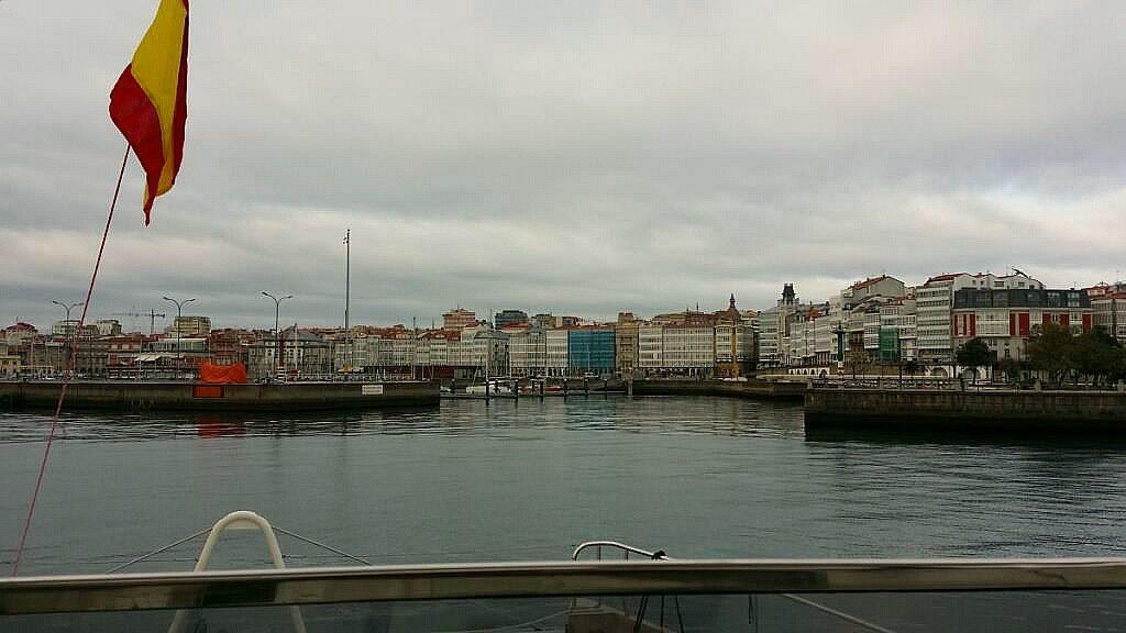 Einfahrt in Club Nautico Coruña